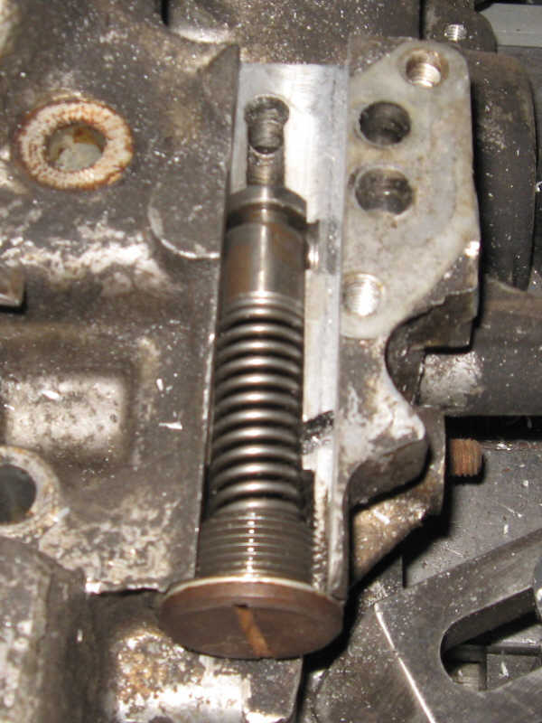 914World com   Oil pressure relief, oil cooler, and accusump interaction
